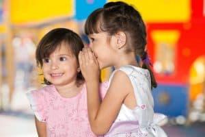 דיבור בין ילדים